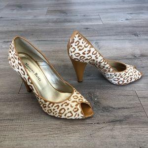 b7425b28458 MASSIMO BALDI ~ mustard yellow animal print heels